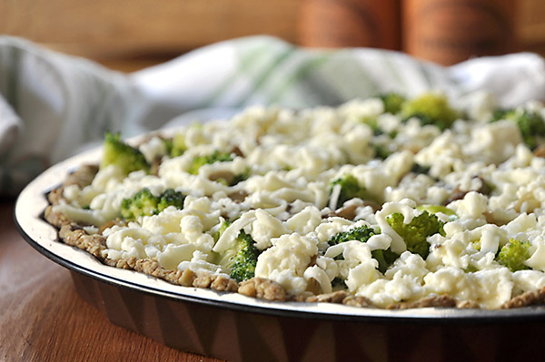Τάρτα με μπρόκολο, μανιτάρια και ζύμη ολικής αλέσεως/Broccoli and mushroom tart