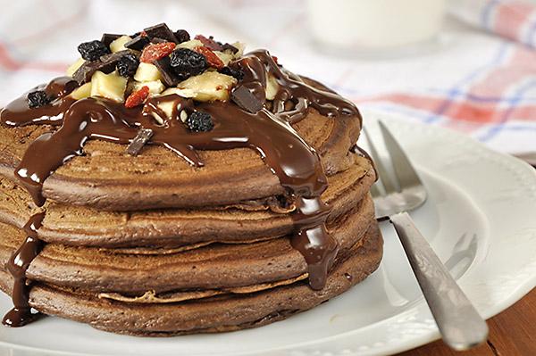 Φουσκωτά pancakes με Σοκολατένια pancakes με γιαούρτι/Chocolate yogurt pancakes/Chocolate yogurt pancakes