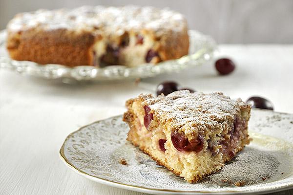 Γρήγορο κέικ με κεράσια/Fresh cherry cake
