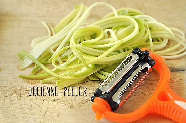 Εργαλείο για κόψιμο σε λεπτές λωρίδες/Julienne peeler