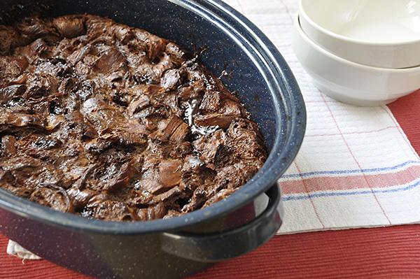 Πουτίγκα με κρουασάν σοκολάτας και κακάο/Cocoa and chocolate croissant pudding