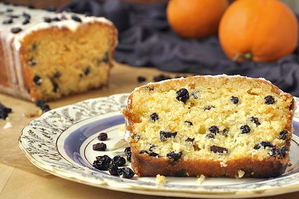 Κέικ πορτοκαλιού με σιρόπι και σταφίδες/Orange yogurt loaf with raisins