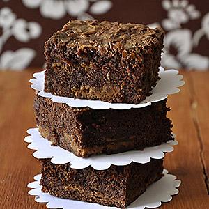 dulce-de-leche-brownies-photo1sq