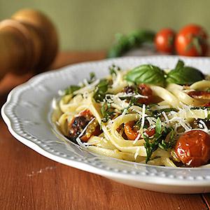 pasta-me-tomatinia-photo1sq