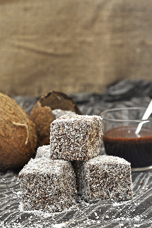 Nηστίσιμα κέικ με καρύδα και σοκολάτα lamingtons/Vegan lamingtons
