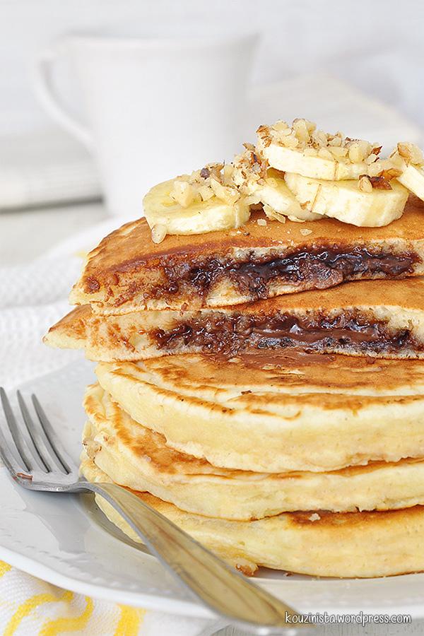 Pancakes με κρυφή γέμιση πραλίνας φουντουκιού/Nutella stuffed pancakes