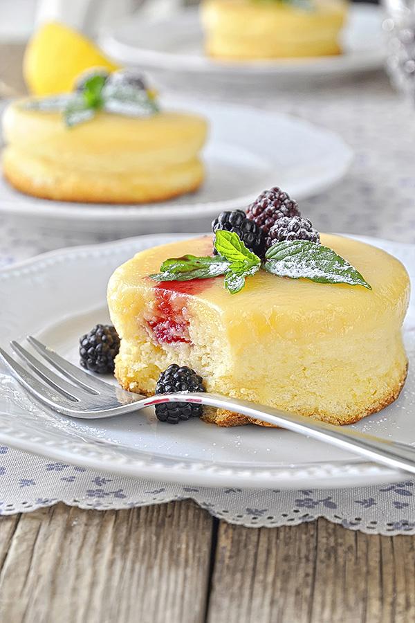 Μαγικό σουφλέ λεμονιού με δύο στρώσεις / Lemon soufflé pudding cake